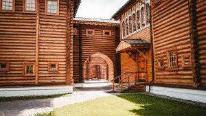 Jak budowano drewniane domy?